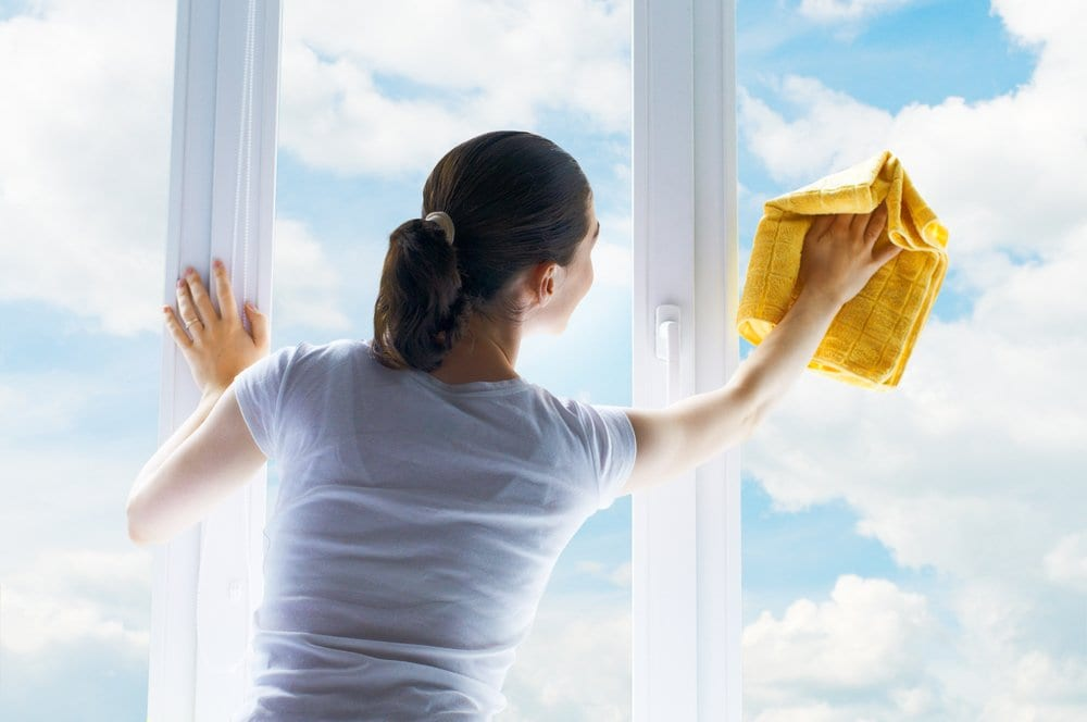 Five Essential Window Cleaning Supplies